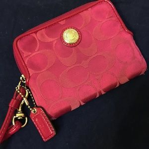 COACH Fuchsia Signature  Small Wristlet Wallet